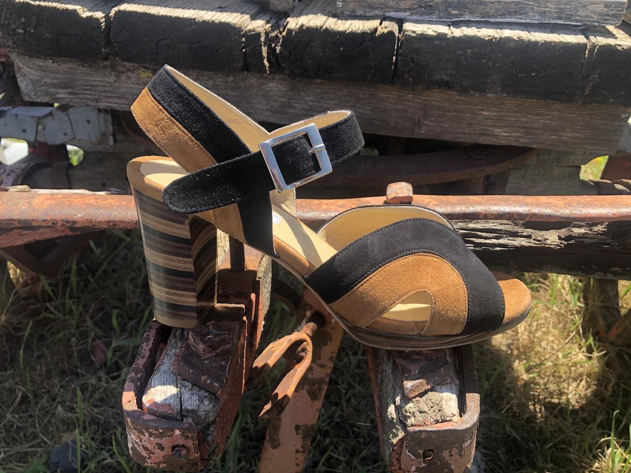 Sandalo tacco cuoio